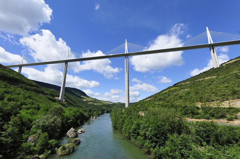 Dokument Viadukt Millau: Most v oblacích