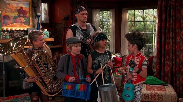 Nicky, Ricky, Dicky & Dawn  II (15)