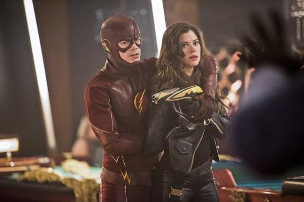 Flash  (16)
