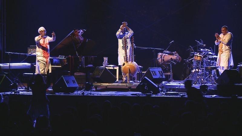 Omar Sosa, Seckou Keita a Gustavo Ovalles na Folkových prázdninách
