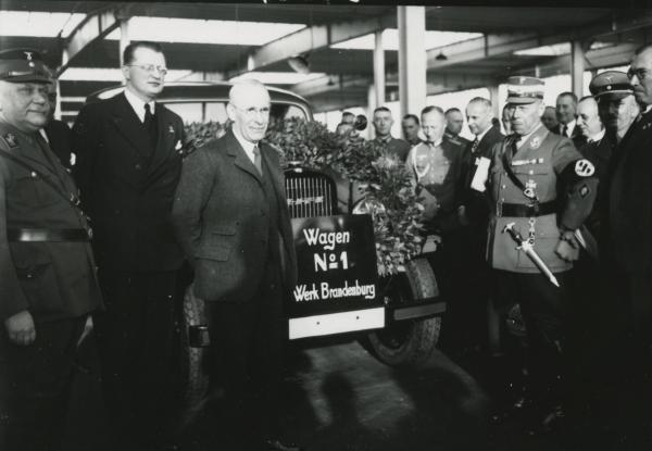 Dokument Projekt nacismu: Hitlerovy dálnice