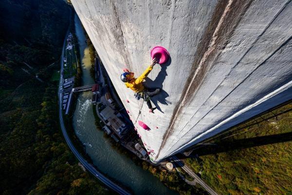 360 Ascent: Souboj o nejvyšší komín v Evropě