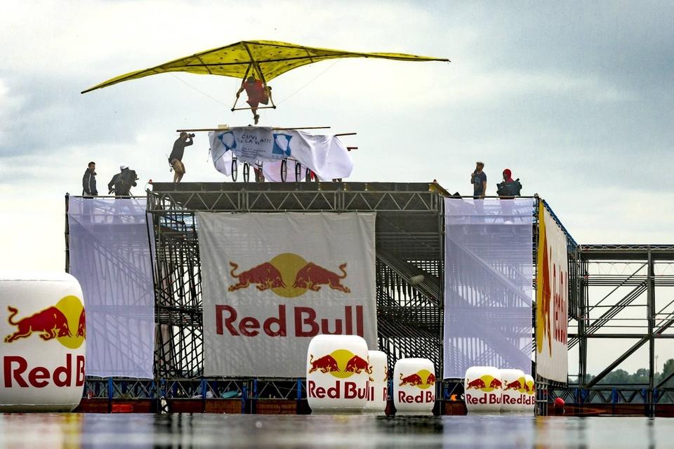 Dokument Red Bull Flugtag