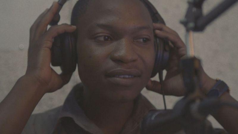 Dokument Zambie: DJ Baza