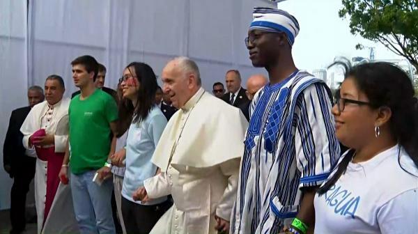 Za papežem do Panamy