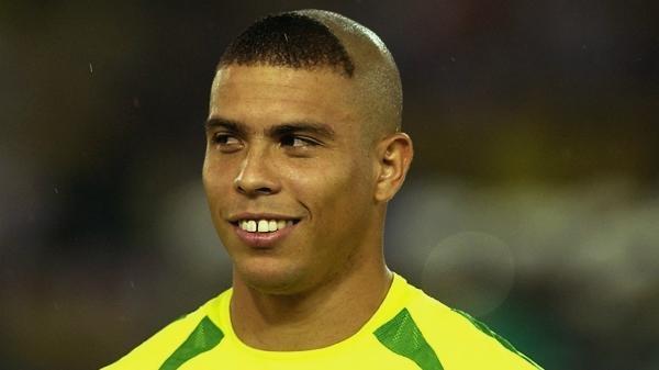 Futbaloví Velikáni - Ronaldo