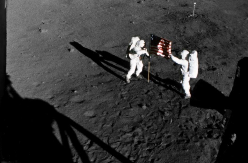 Dokument Den, kdy jsme se prošli po Měsíci