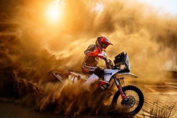 Dokument Dakar Daily - shrnutí závodu